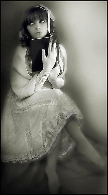 gothic lolita by magine - Sonu geLmeyen aVatar ar$iviMden...