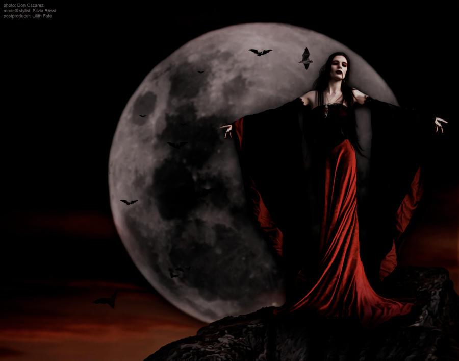 Vampire Queen by VampyrEmpress