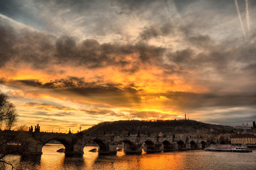 November in Prague I by tomsumartin