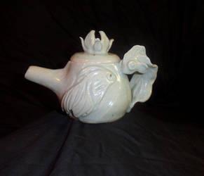 Celedon Gold Fish Tea Pot