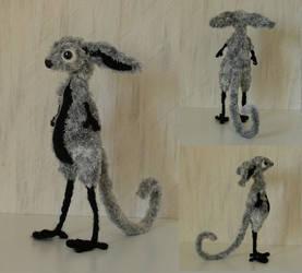 Grey creature by Ulltotten