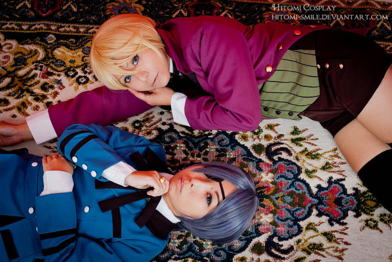 The Queen's dog and the Queen's spider by Hitomi-Cosplay