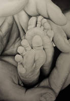 Tiny Feet by petebritney