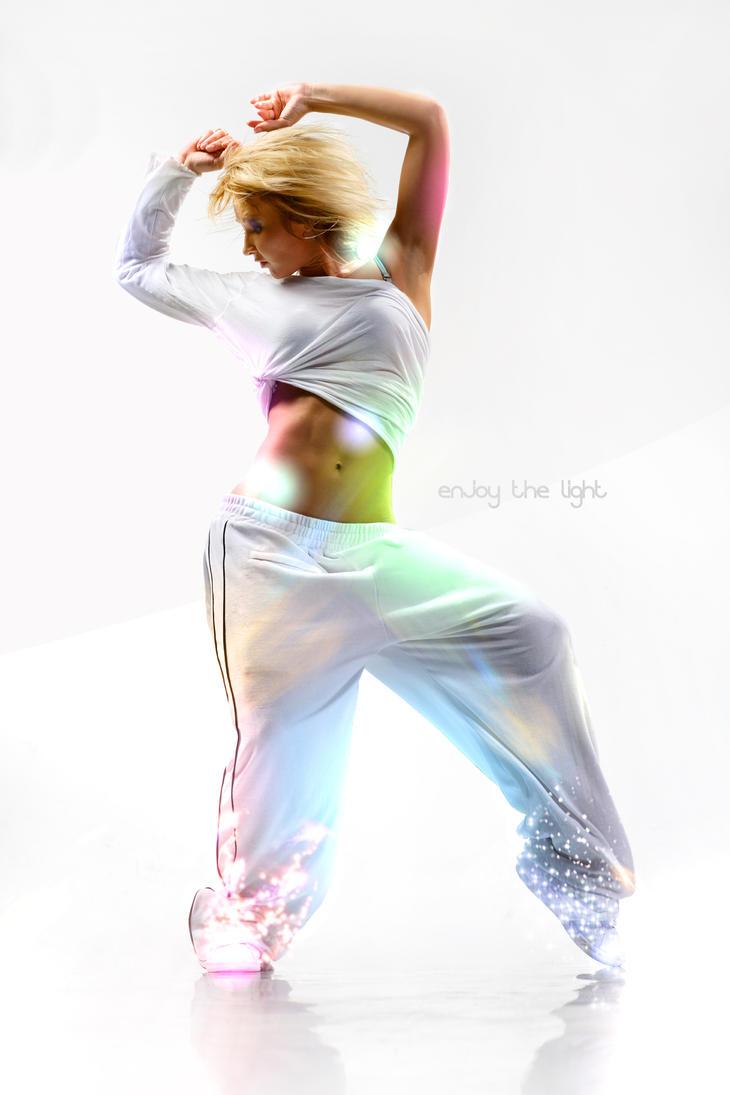 Enjoy The Light by DiiSk8
