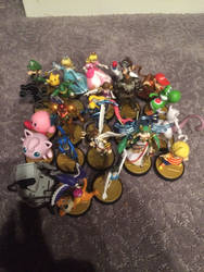 Smash Bros Amiibo Collection (2/18/16 Update OLD)