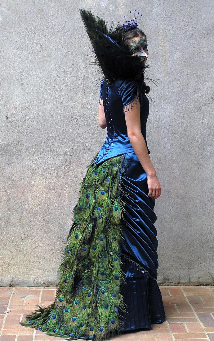 Платья С Перьями Фото
