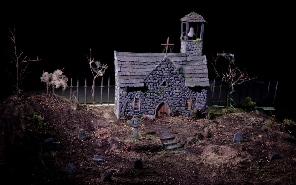 Creepy Graveyard Diorama (single) by Natnie