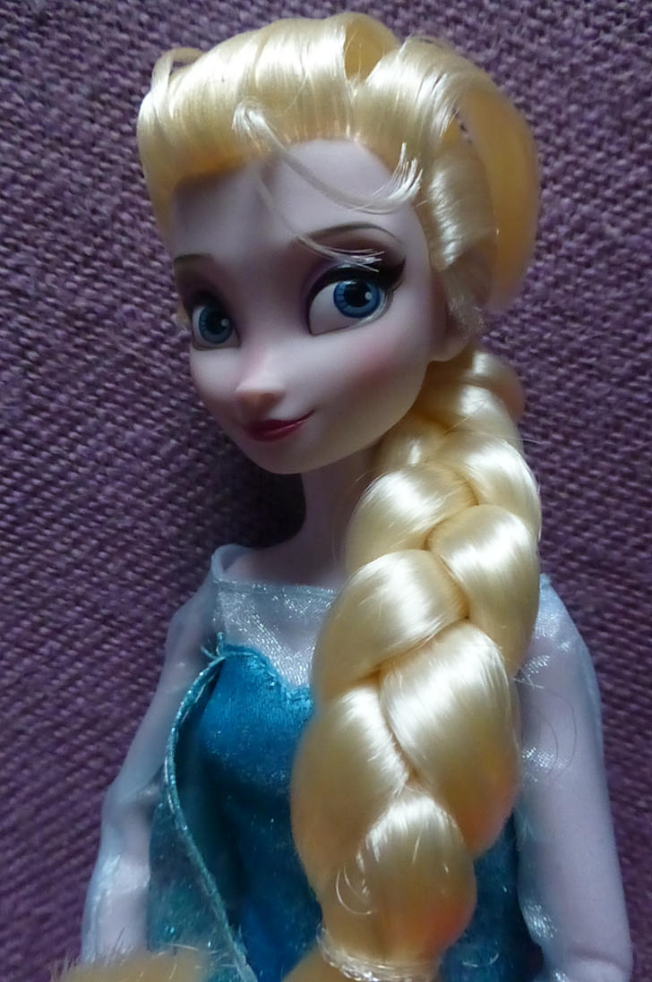 Time for Elsa's closeup! by SHANNON-CASSUL-LOVER