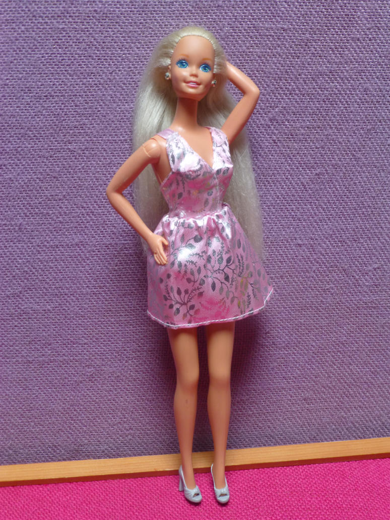 Dress I tailored to fit my vintage Barbie by SHANNON-CASSUL-LOVER