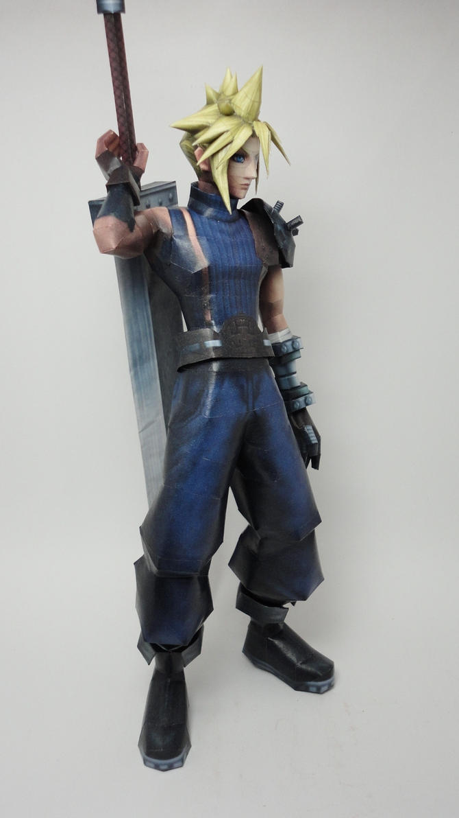 Cloud Strife Papercraft by BRSpidey