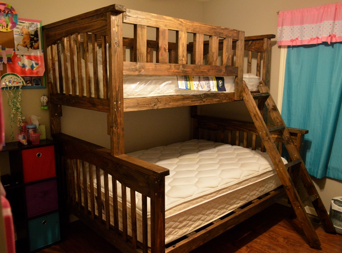 Aowyn Twin Over Full Bunk Bed by Lupas-Deva