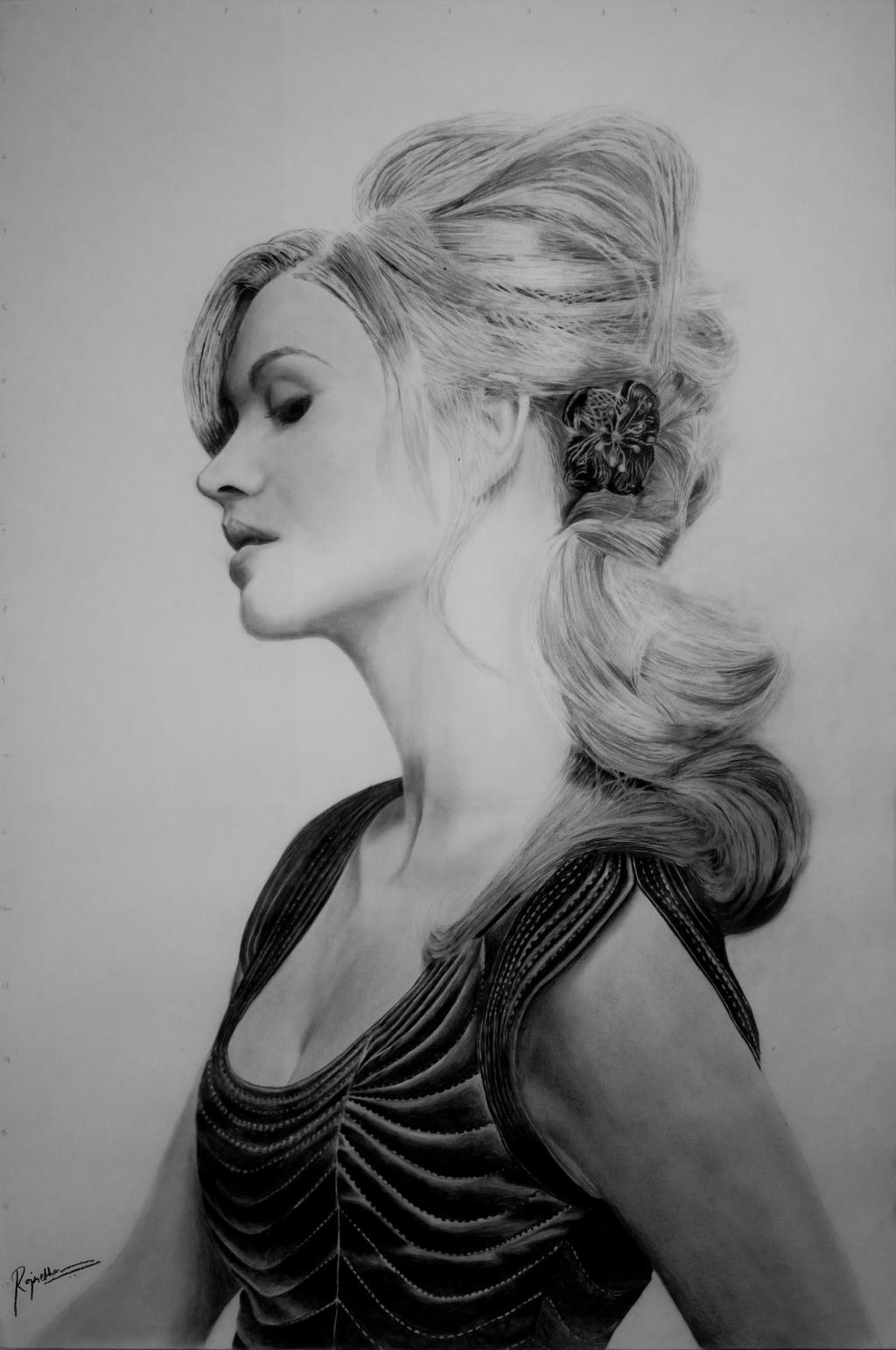 Yvonne Strahovski Drawing by enzofrenzy
