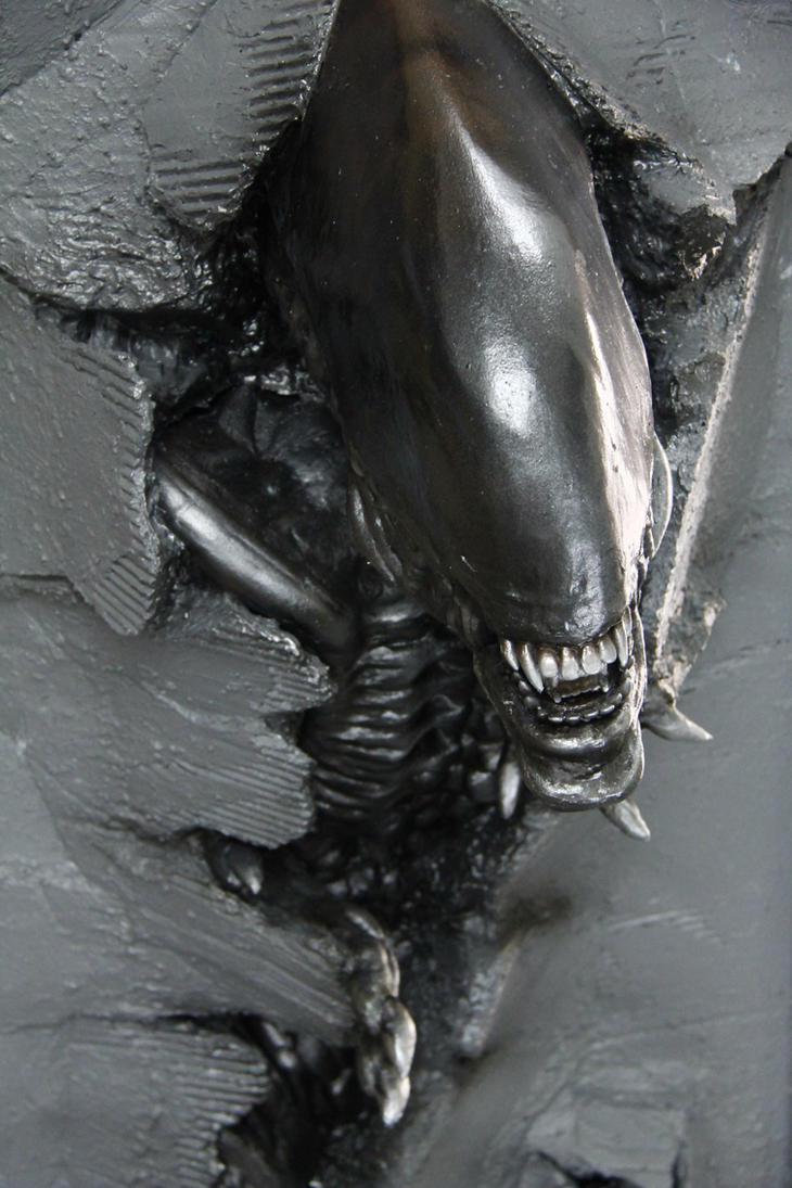 Wallbursting Alien Warrior by FUVL
