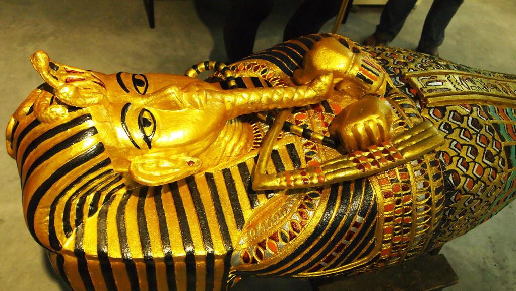 King's Tut Tomb by FUVL