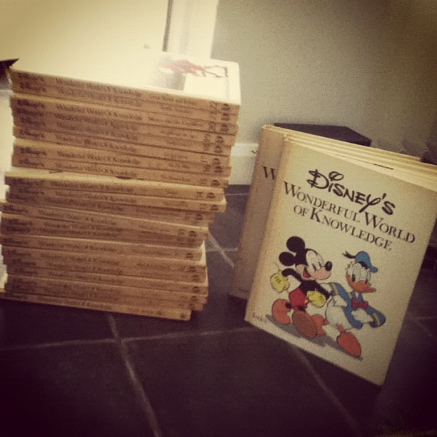 Vintage Disney Books by CourtneyCupcakee ...
