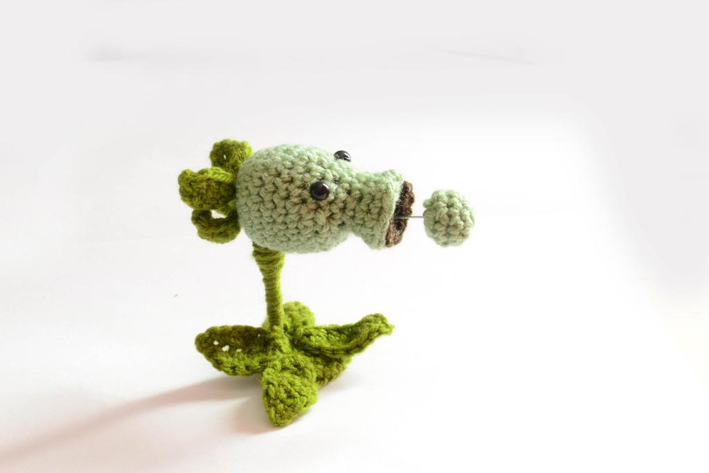 Crochet Plants VS Zombies Pea Shooter by Rienei on DeviantArt