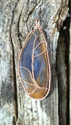 The back of Agate and Tree of Life by Miskwaadesi