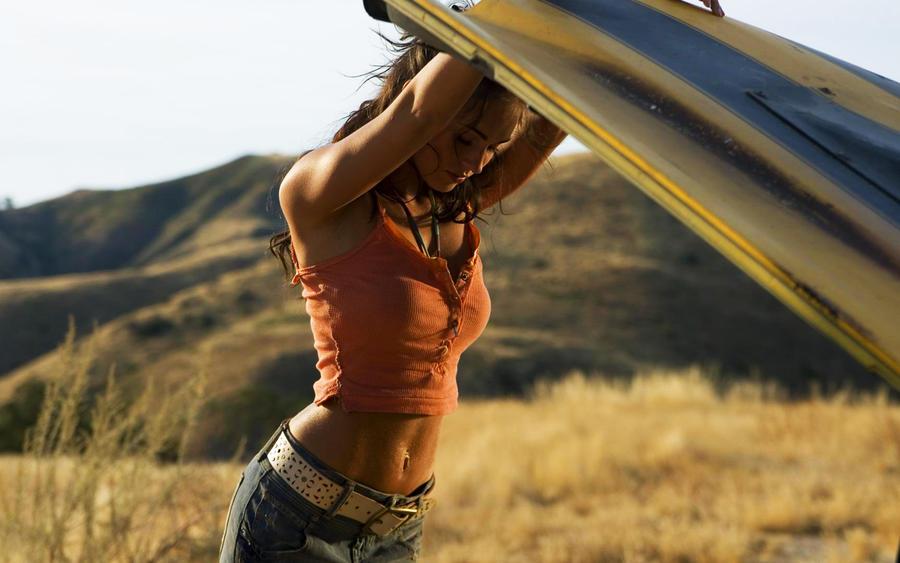 Megan Fox Transformers WP by oliverlauta on DeviantArt