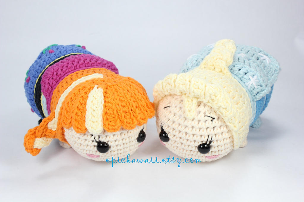 Amigurumi Elsa Ve Anna : Anna and Elsa Tsum Tsum Crochet Amigurumi Dolls by ...