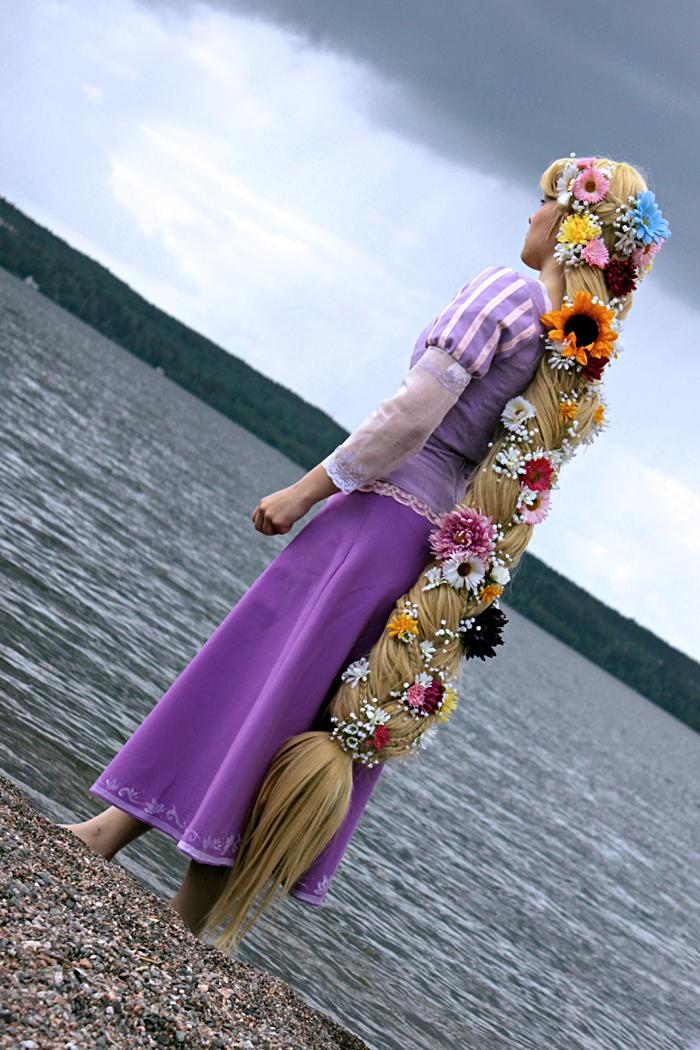 Tangled - Lake by umiyo