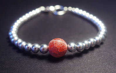 Bracelet with frosted agate bead by dimebagsdarrell