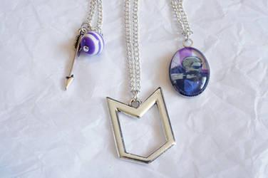 Hawkeye Inspired Necklace Set by dimebagsdarrell
