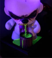 munny fountain black light by MattAcustoms
