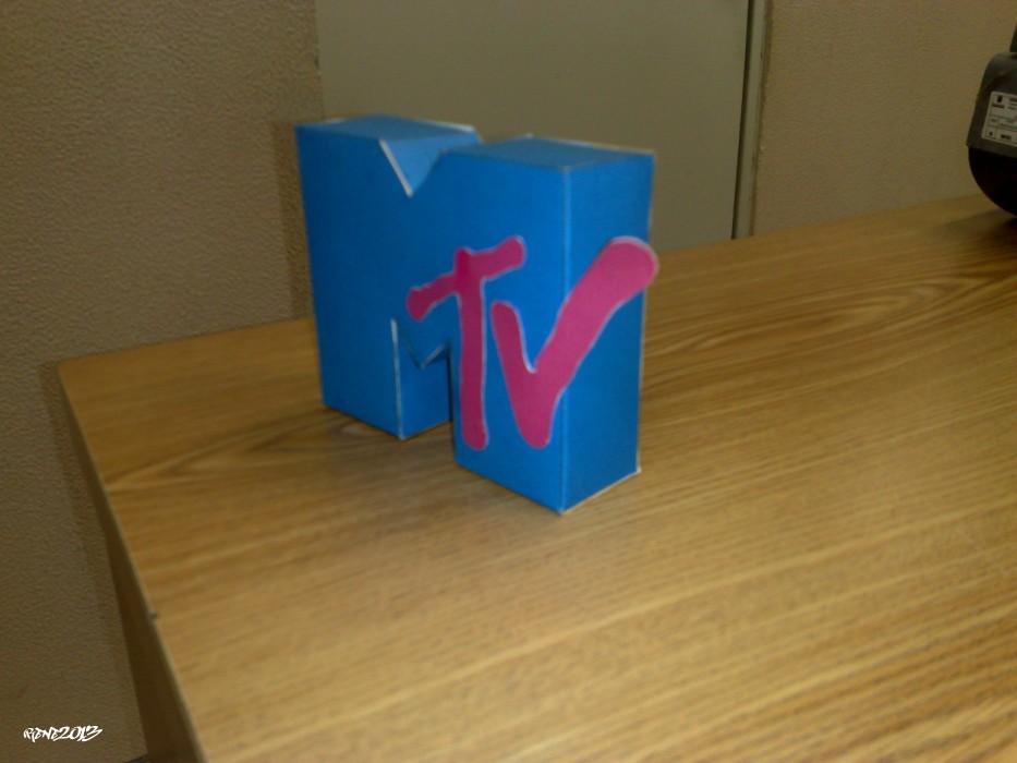 MTV - Papercraft Logo
