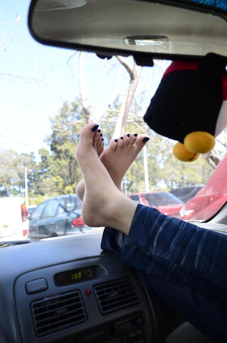 relaxed feet by Nix-Feet
