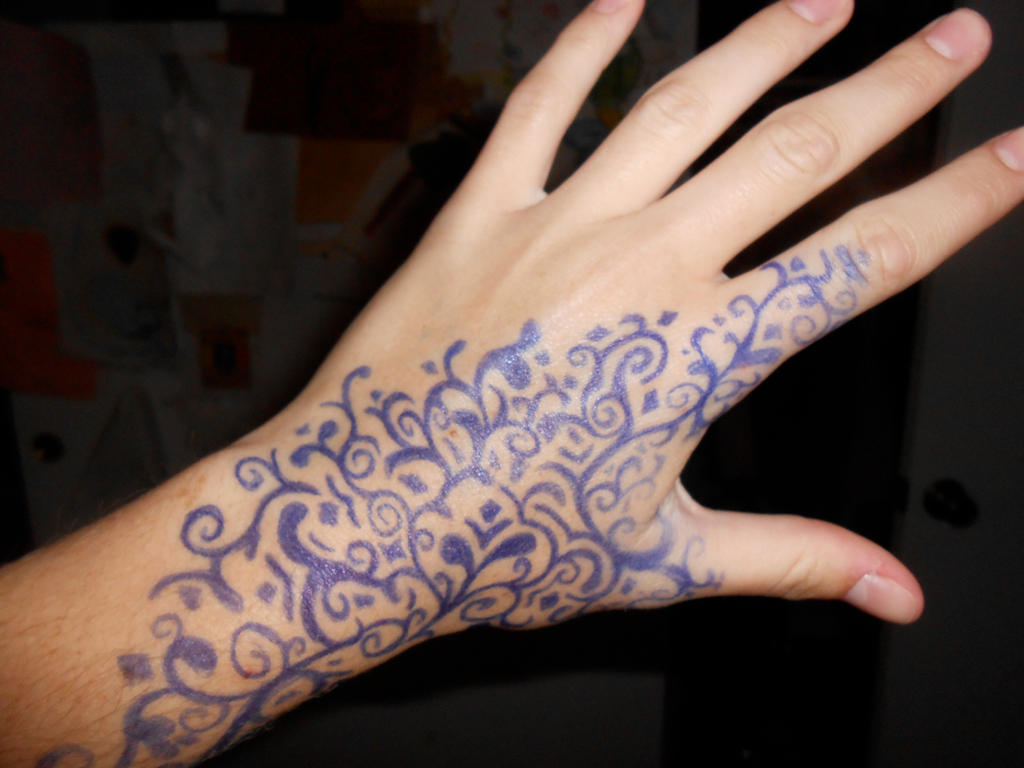 Ballpoint pen hand design by thestarvingartist1 on deviantart for Cool designs to draw on your hand