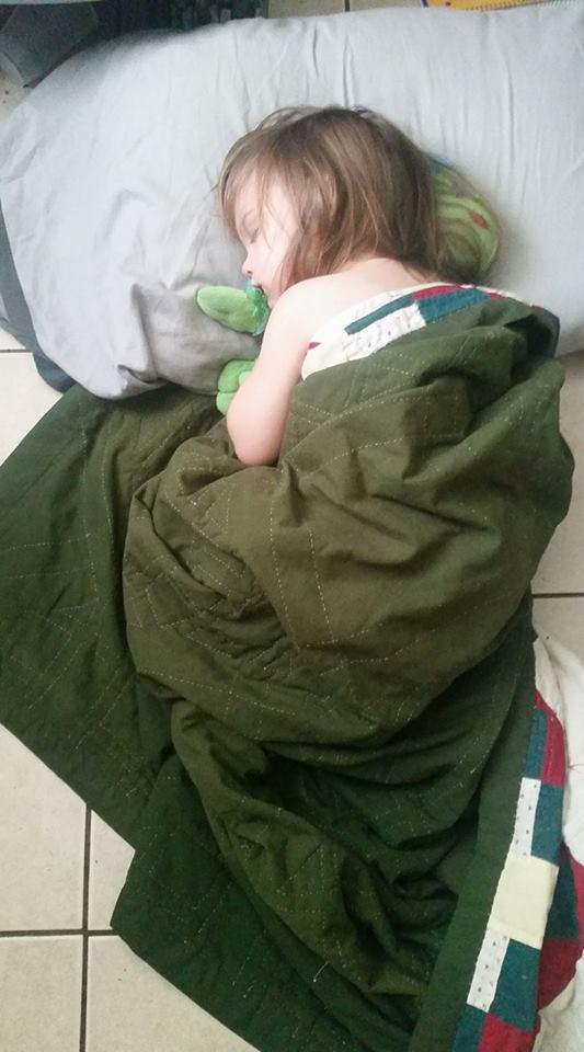 MayLen asleep by Arai42