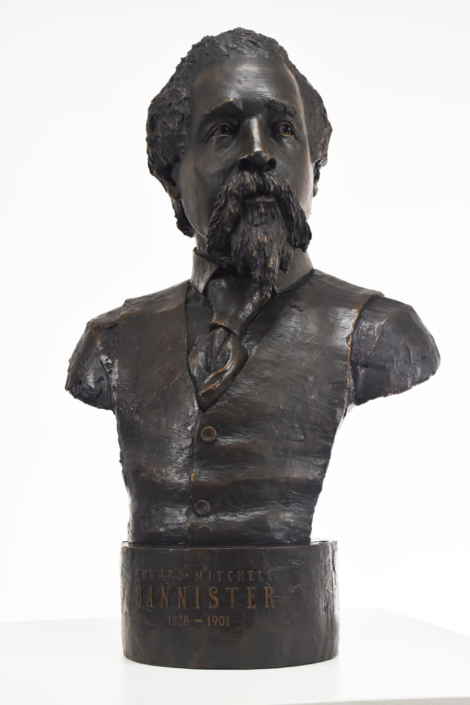 EMBannister bronze 6