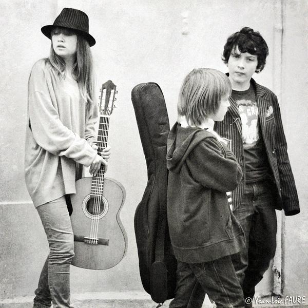 Children - Guitars - Street by ylf13