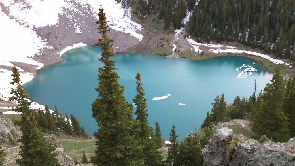 Lower Blue Lake by Bennuendo