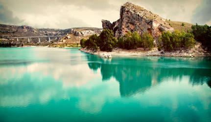 El Lago by LacrymosaStudio