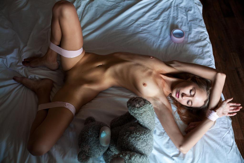 Худые спящие голые фото 86433 фотография