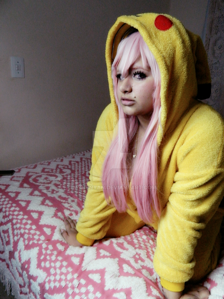 Sonico Pikachu by Myuunyan