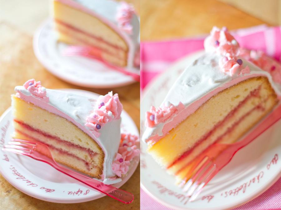 Strawberry- Vanilla Cake by KristieM