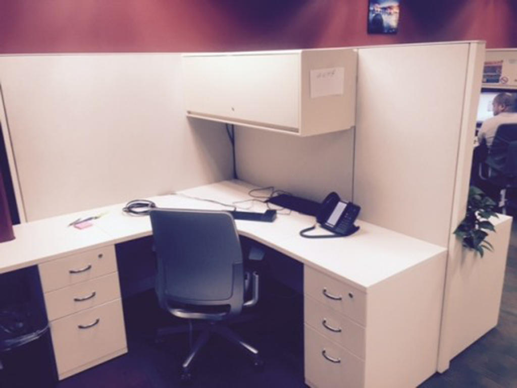 Sell Office Desks Orange County 714 462 3676 By