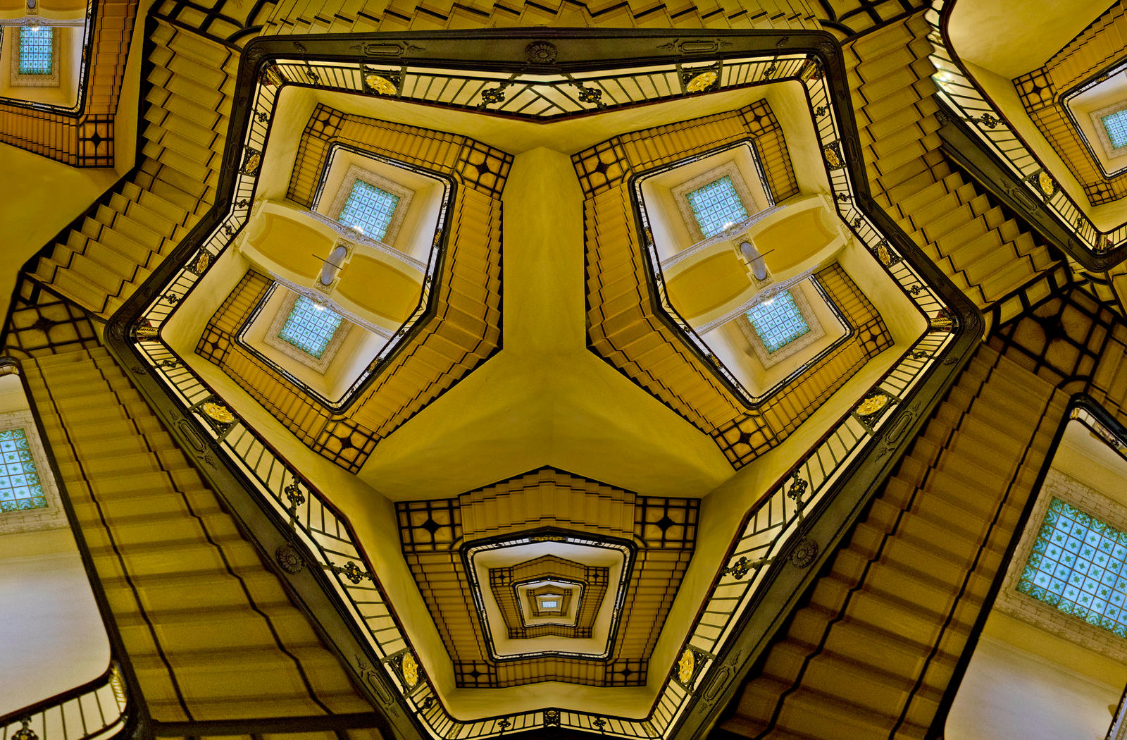 Amber staircase by bulgphoto