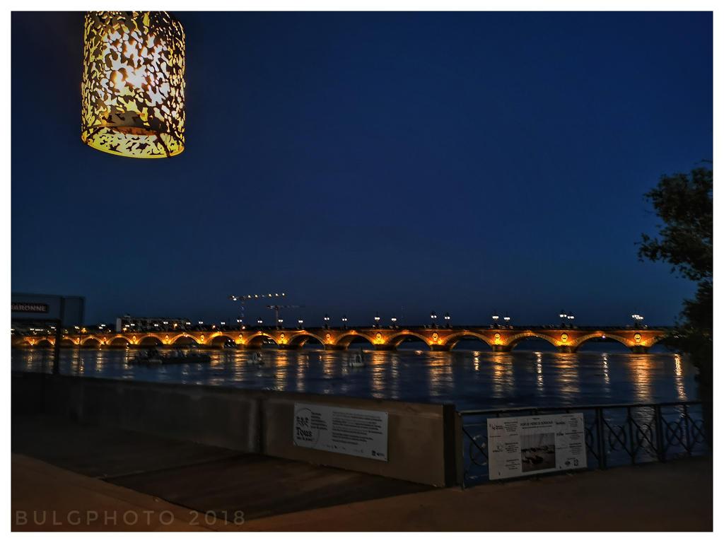 Pont de pierres  by bulgphoto