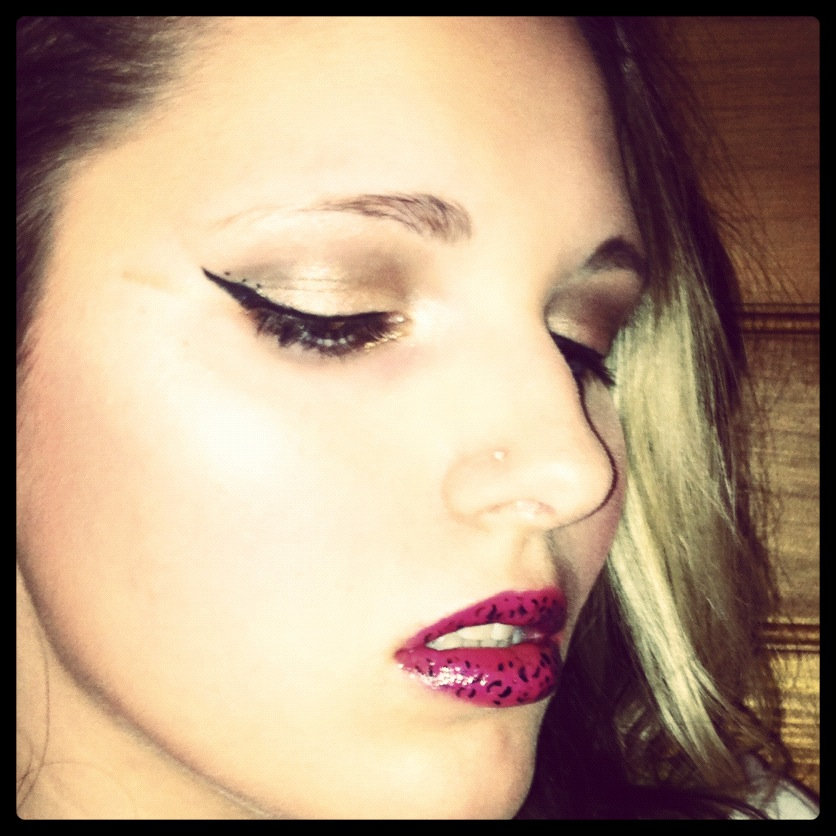 Makeup - Bronze Eyes and Leopard Lips by xxxKats-chancexxx