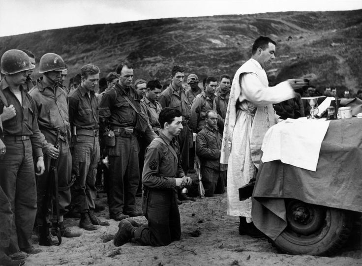 cura giving mass to Republicans in Omaha beach