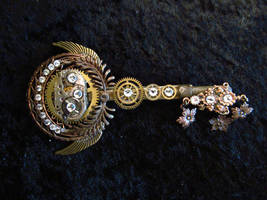 Steampunk Skeleton Key Pin ( Circular Silver) by CrossTheHatter
