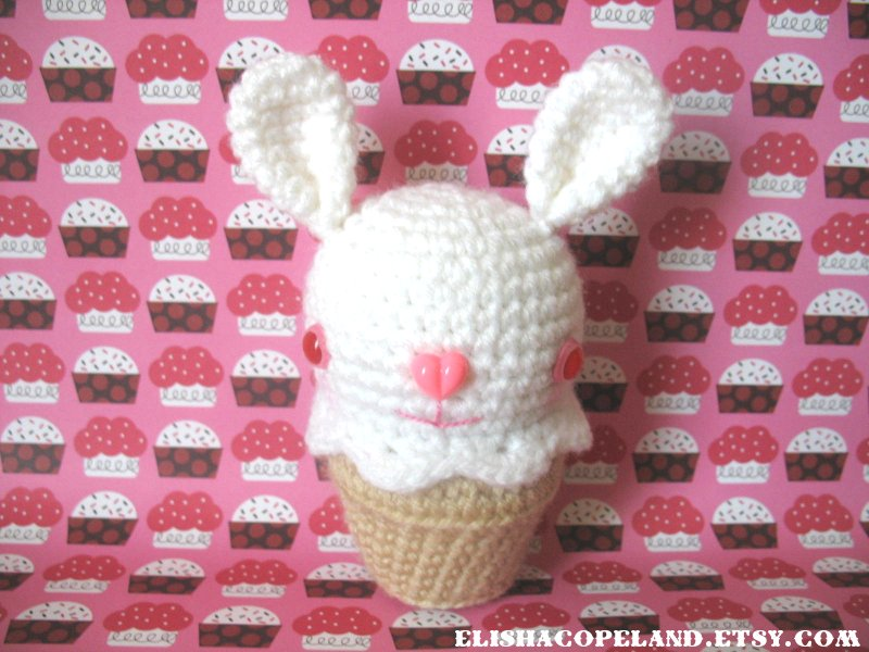 Albino Bunny Ice Cream Ami