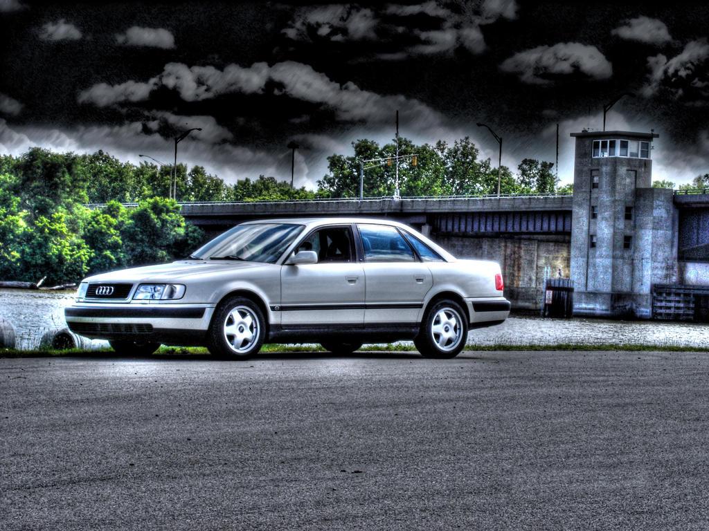 Kelebihan Audi 100 S4 Tangguh