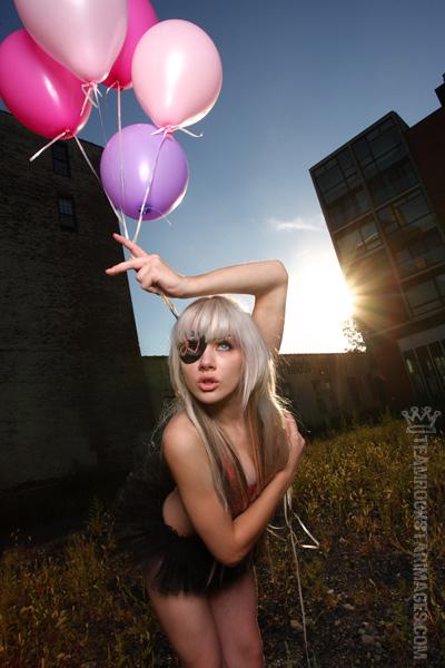 http://fc04.deviantart.com/fs19/f/2007/280/1/a/rockstar_by_miss_mosh.jpg