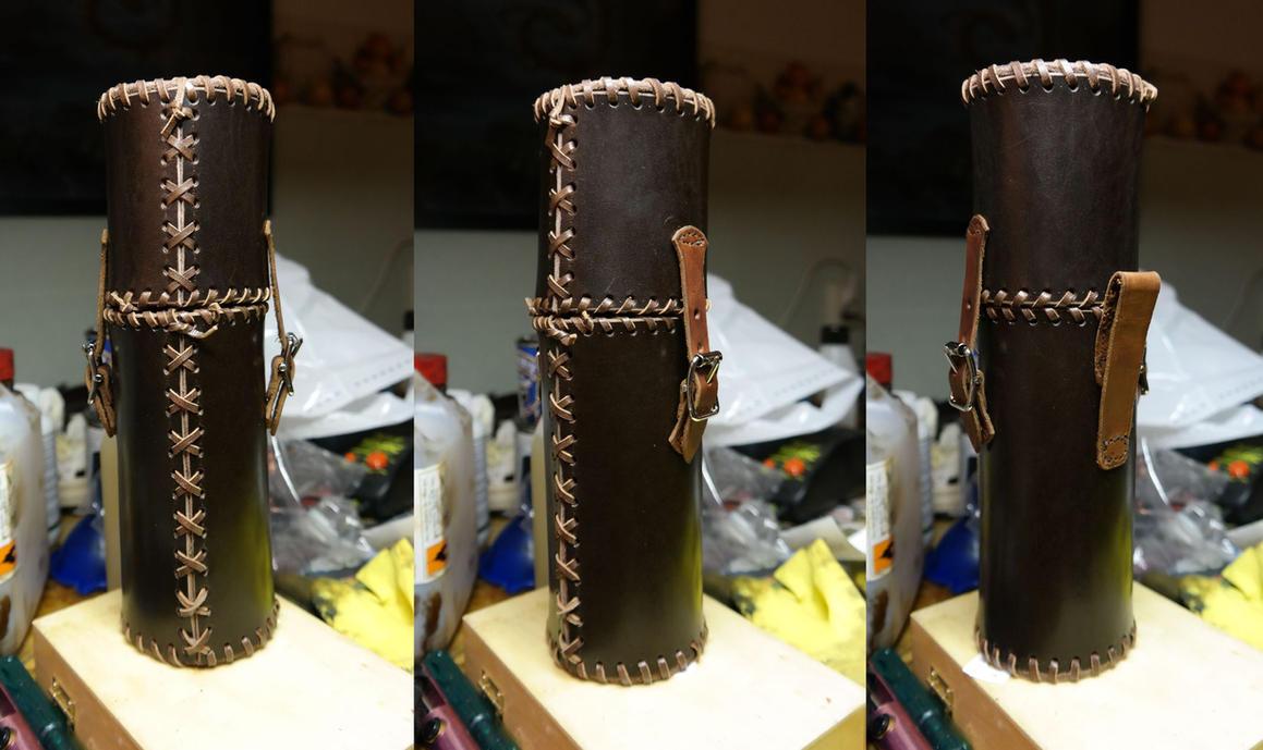Leather bottle case by Durnstaros