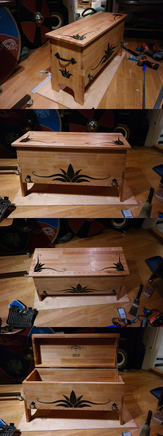 Comission chest by Durnstaros