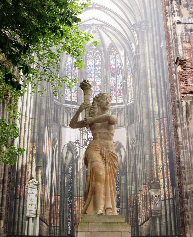 statue  dom church utrecht by marob0501